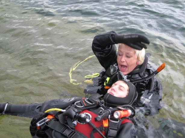 scuba monkey rescue breathing accident article